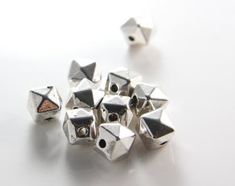 10pcs Oxidized Silver Tone Base Metal Spacers-Faceted Cube 10mm (13087Y-B-378)