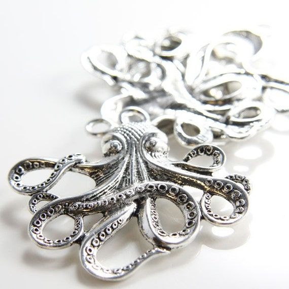 2pcs Oxidized Silver Tone Base Metal Charms-Octopus 56x59mm (15669Y-G-91A)(6292Y)