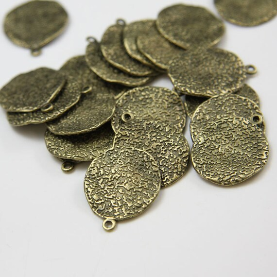 20pcs Antique Brass Tone Base Metal Charms-Texture Waved Disk 24x19mm (2516X-D-70B)