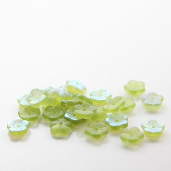 50pcs Czech Glass Beads Flower Center Hole - Olivine Matte AB 8mm (PG280304) D