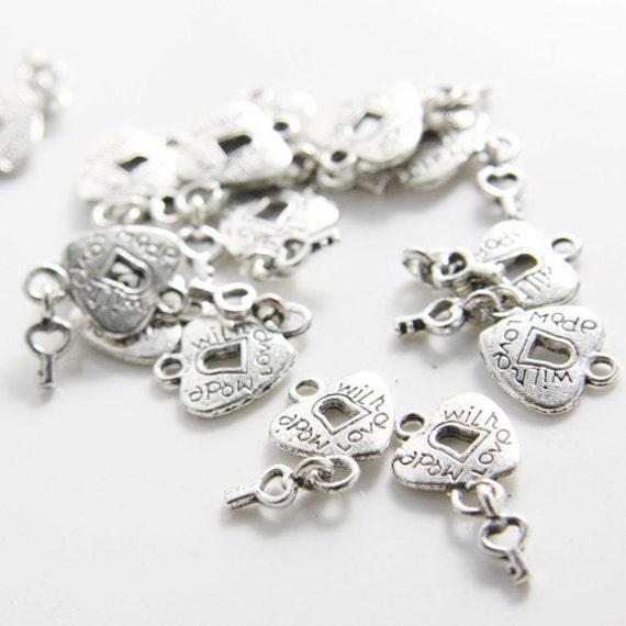 20pcs Oxidized Silver Tone Base Metal Charms-Heart with Key 14x12mm (1088Y-D-42A)