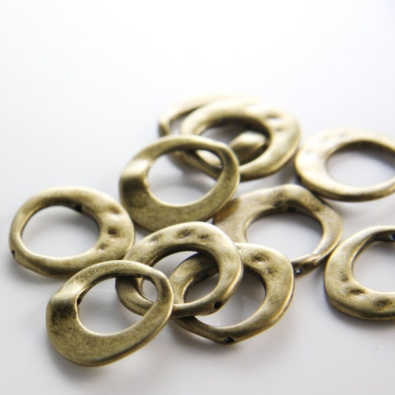 10pcs Antique Brass Tone Base Metal Spacers-Irregular Bead Frame 20x21mm with inner size 12mm (10246Y-B-357)