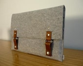 13 inch macbook laptop sleeve in industrial light grey felt with tan leather by kazzki