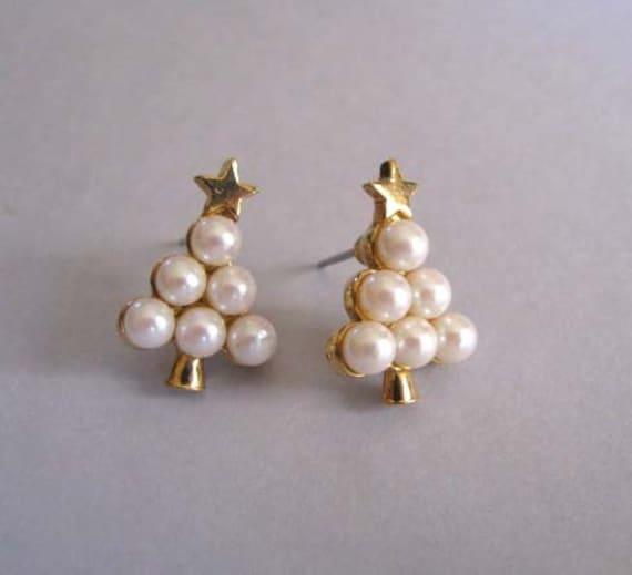 Vintage Earrings Pearls Christmas Trees Avon