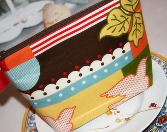 Cosmetic Bag, Zipper Top Pouch, Zipper makeup Bag in Vintage Red