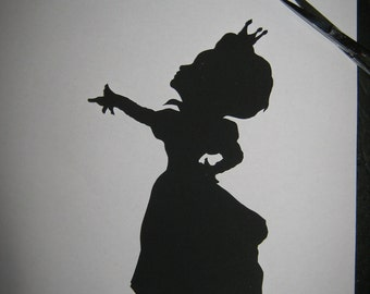 Red Queen Silhouette