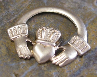 6 Raw Brass Claddagh Metal Stamping Embellishment Jewelry Findings 1271