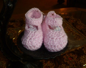 Pink baby shoes/booties