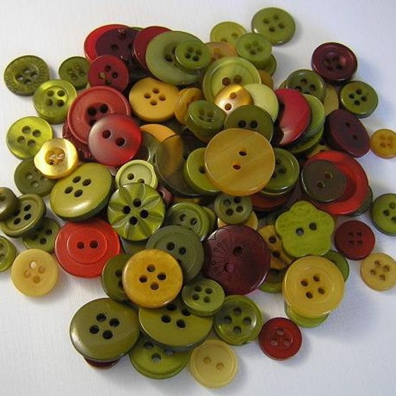 100 Top That Dog Small to Medium sized Button Mix Buttons Red Mustard Pickle Green GREAT FOR CHRISTMAS