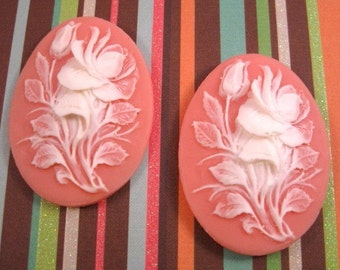 Rose 40x30mm Plastic Cameos in White on Angel Skin - 2 Count