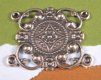 Kanah 4 Ring Connector from Trinity Brass in Antique Silver