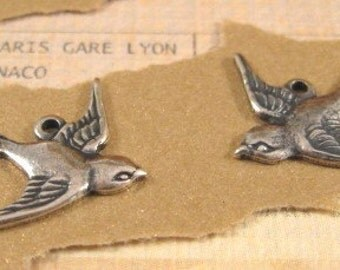 Bird Charms from Trinity Brass in Antique Silver - 1Pair