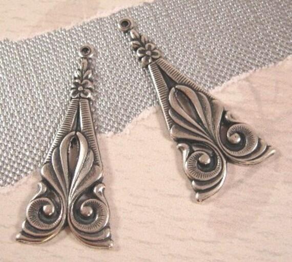 Trinity Brass Tamar Deco Drops - Pendants in Antique Silver - 2 Count