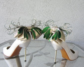 Nude And   Kelly Green Satin Ribbon Bow And Feather Shoe Clips