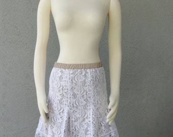 Romantic  White Lace With Contrasting Nude Lining  Mini Skirt Spring Summer