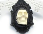 Wretched skull cameo Brooch -  Resin Setting - Original TomorrowsUnknown Design