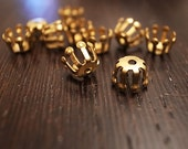 30 pieces of small vintage raw brass bead cap with hole 7x5mm cute deco