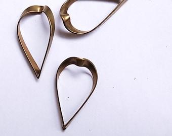 promotion - 100 pcs  vintage cut raw brass charm in upside down heart shape with hole spade teardrop 28mm