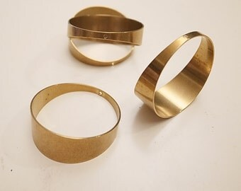 Back in stock 10 medium size cut raw brass tube cylinder hoop 32mm across with widest 13mm 1 hole on top