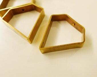 12 pcs -  diamond shape 23x23x5 mm with one hole
