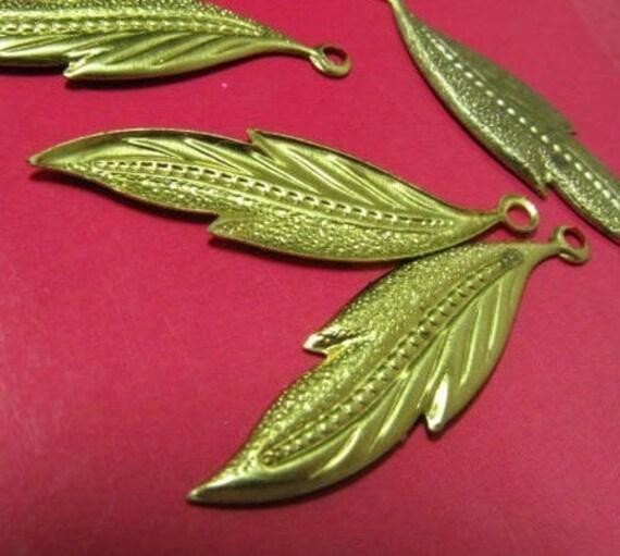 15 Vintage brass metal leaf charm finding beads gold color
