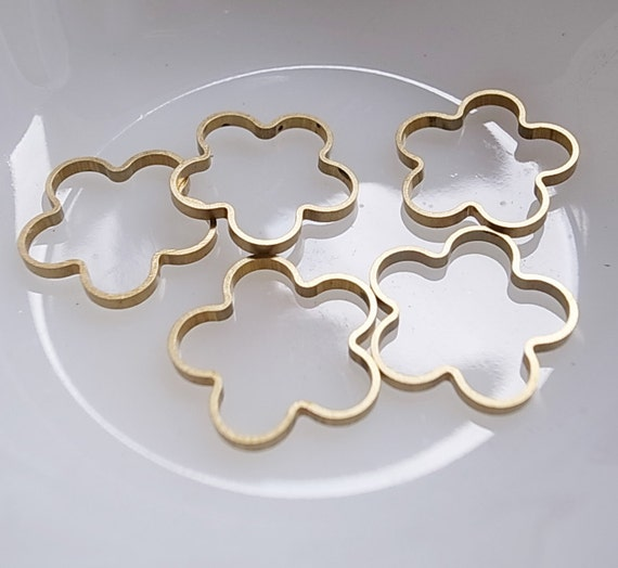 8 pieces of  newly made cut thick raw brass tube slice outline charm in flower shape deco 3d 19mm