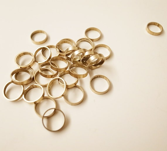 15 pieces of vintage old stock cut raw brass tube outline in small circle cylinder shape 10mm
