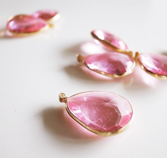 5 large Vintage light pink acrylic drop beads  with gold color frame caged 30 x 20mm
