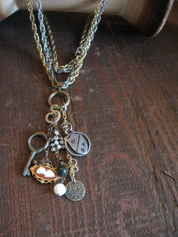 The Lady of Shallot CAMEO necklace