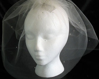 Ivory tulle bubble veil with rhinestones