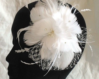 Bridal feather flower comb - wedding feather hair clip - white feather fascinator