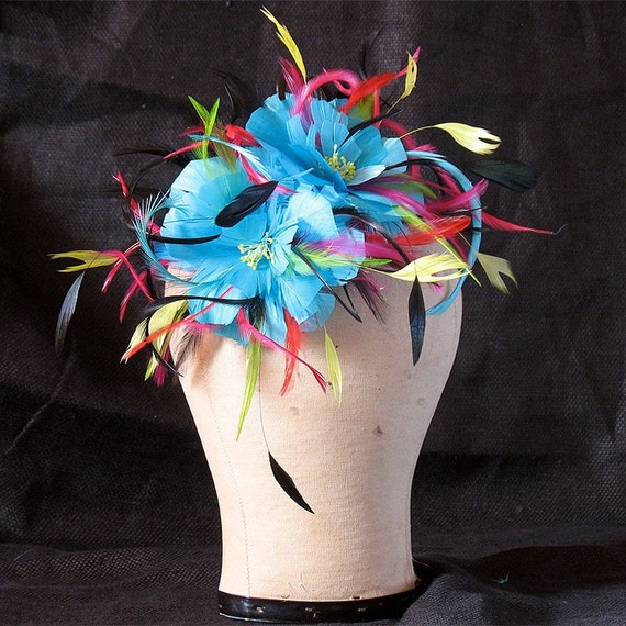 Turquoise feather flower comb - multi color feather fascinator - horserace hairpiece