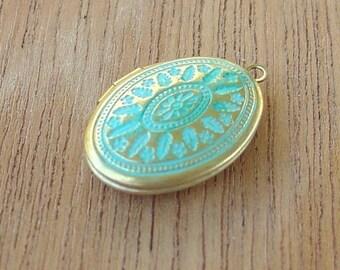 brass oval locket , VERDIGRIS brass locket, jewelry making pendant charm finding