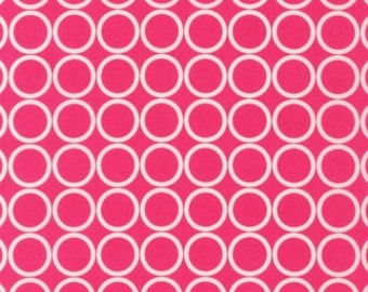 Fat Quarter - Metro Living Circle Print in Pink by Robert Kaufman Fabrics EIP-11016-108 Fuchsia