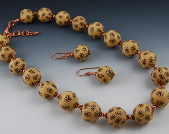 Chocolate and Caramel Flowers Jewelry Set