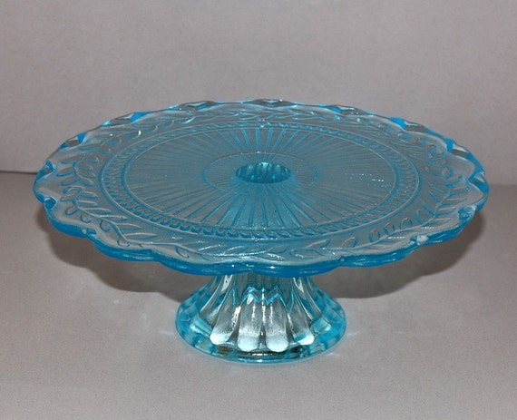 Aquamarine light blue glass pedestal cake stand by abundancy for Colored glass cake stand