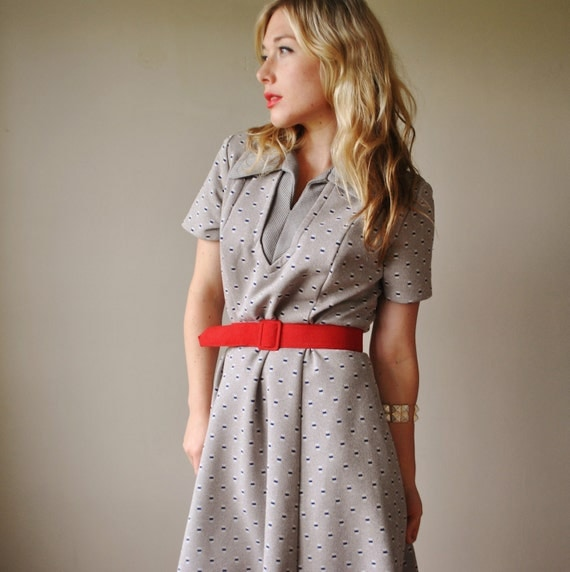 ON RESERVE......1970s Gray and Navy Dress