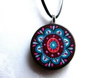 handpainted oval pendant - hot pink and blue