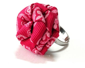 Glittery Magenta Rose Ring