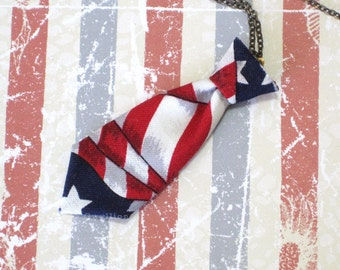 Unisex Mini Tie USA Flag Necklace Pin
