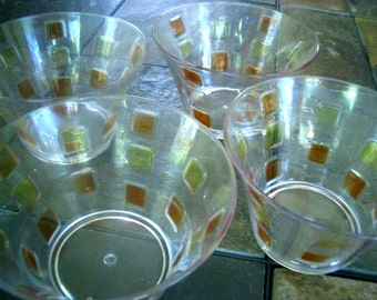 Vintage/Retro Clear Plastic Orange and Yellow Checkered Bowls - Set of 4