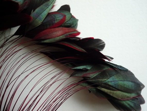 STRIPPED COQUE TAIL Iridescent Black and Red /  1144