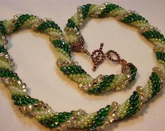 """Green Spiral Bead Crochet Necklace - 19-1/2"""""""