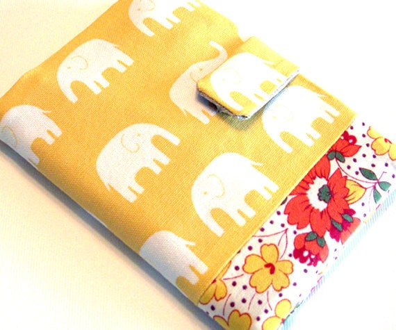 Happy elephant (yellow) - passport cover