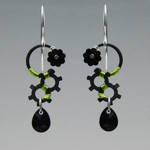 Dysnomia II: Elegant peridot wire wrapped earrings with black Swarovski crystals