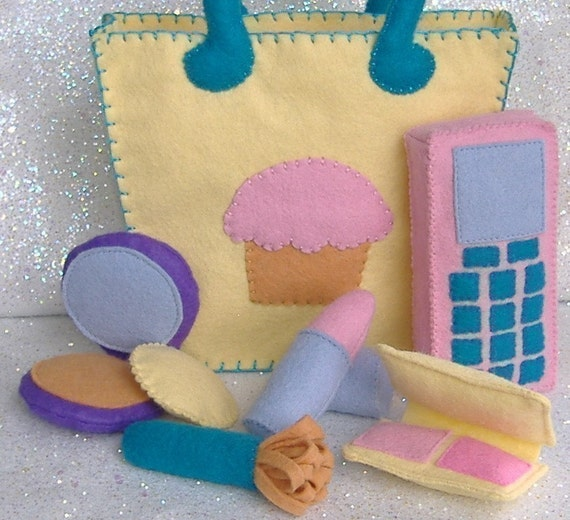 Cupcake Tote Bag Purse with Makeup Accessories Felt PDF Pattern (lipstick, blush, brush, compact, cell phone)