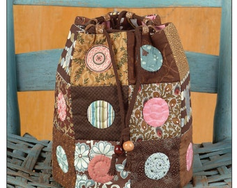 Sweet Delight Drawstring Tote Digital Sewing Pattern PDF - create this pieced and quilted small purse featuring circle details