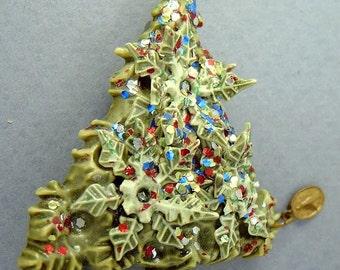 CHRISTMAS TREE MOLDED Plastic Vintage  Pin Brooch