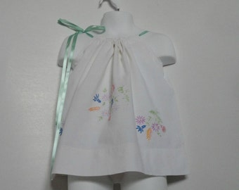 Upcycled Baby Clothing. Pillowcase Dress. Easter Dress. Embroidered Dress. Vintage Dress. Kids Dress. Kids Fashion. Spring. Eco friendly.