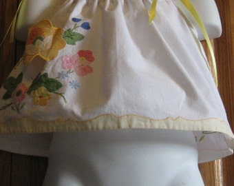 Baby Girl Pillowcase Dress / Top . Clearly Citrus. Vintage Appliqued Linen. Size Newborn to 12 Month. Length 10 inches